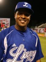 Marca de dobles en el béisbol dominicano