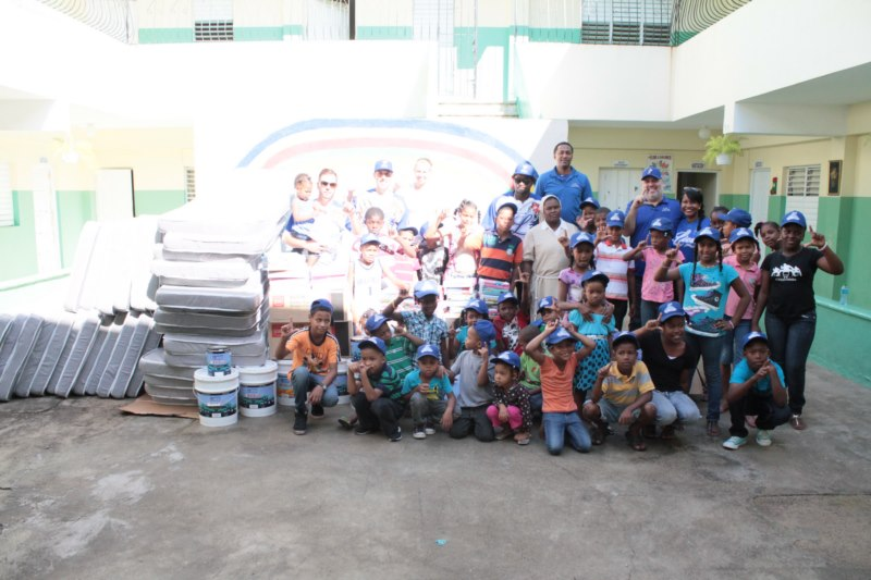 Licey en orfanato Manos Divinas [Licey.com]
