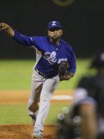Valdez seguirá, dedica actuación a su padre y firma con Baltimore