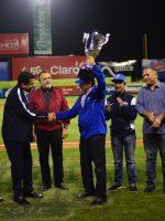 """Licey recibe copa """"Campeón de la Ciudad"""""""