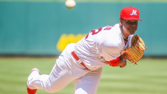 Reyes abanica a  13, permite un hit en Memphis