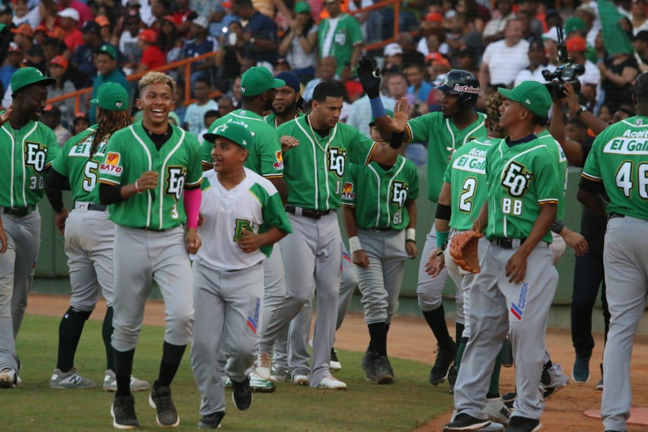 Estrellas Orientales derrotan a Toros del Este y aventajan 3-1 la Serie Final