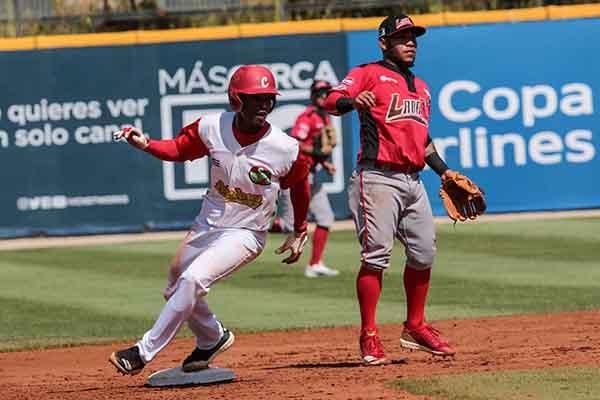 Cuba superó a Venezuela para meterse en la final de la Serie del Caribe