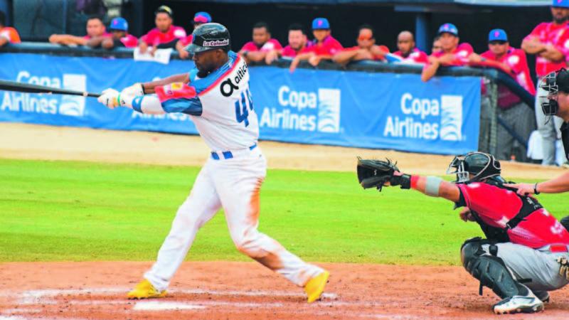 Dominicana vence a Panamá y complica clasificación en la Serie del Caribe