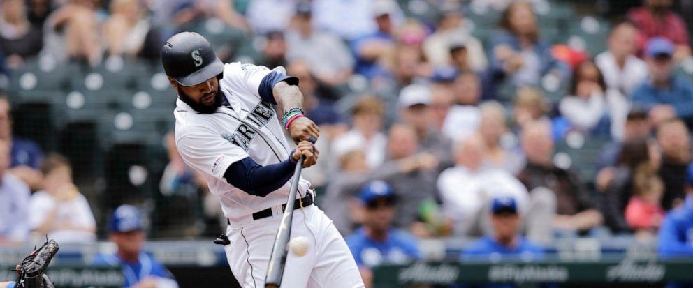 Santana conecta dos jonrones, Soto liga tres hits